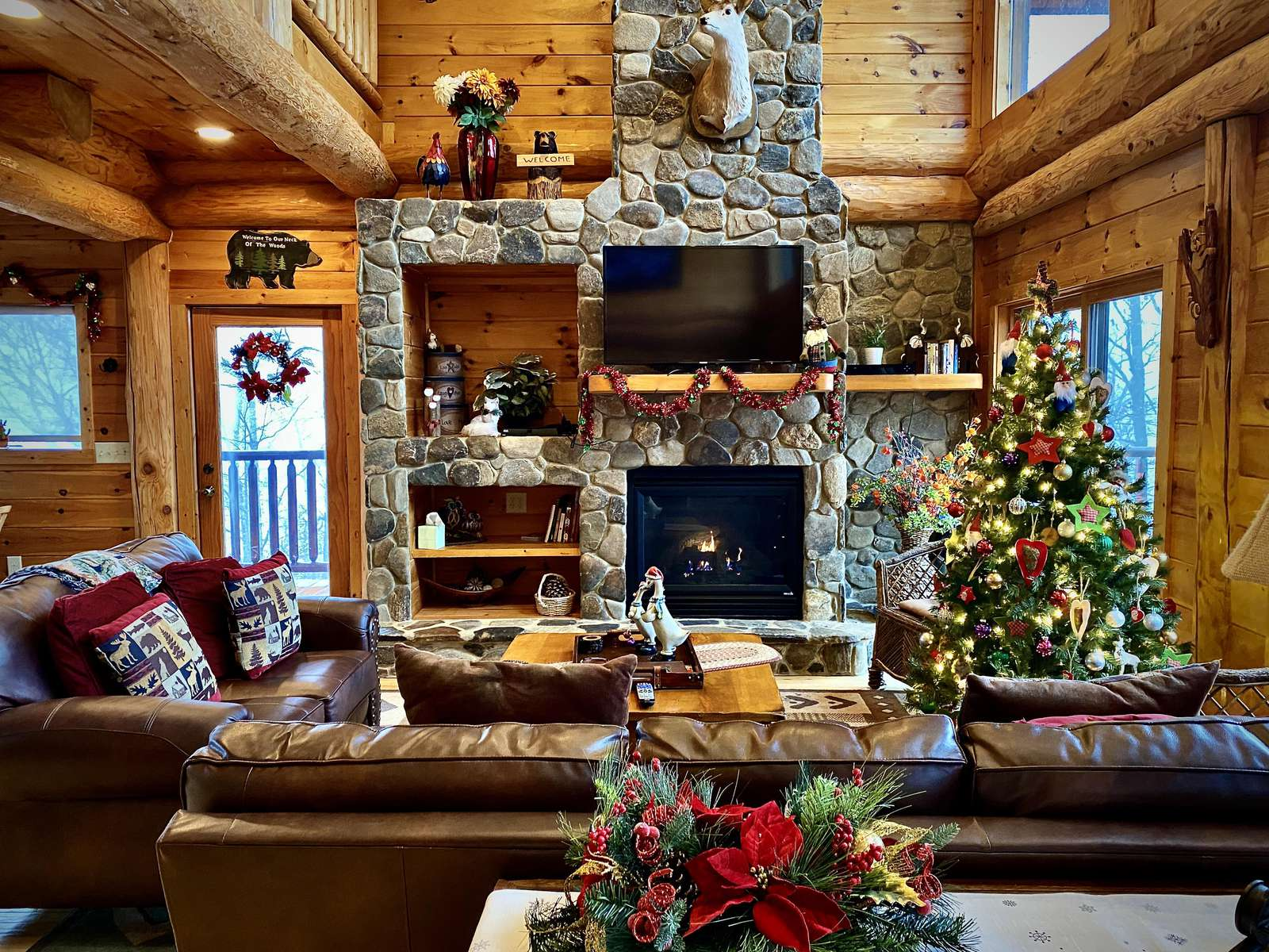 Bella Vista is Beautifully Decorated for the Holidays