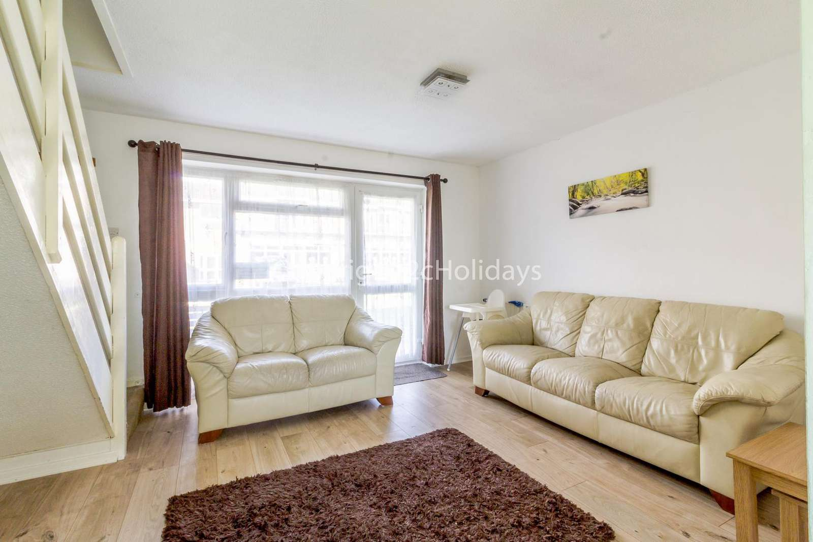 Very spacious and comfortable lounge to relax in