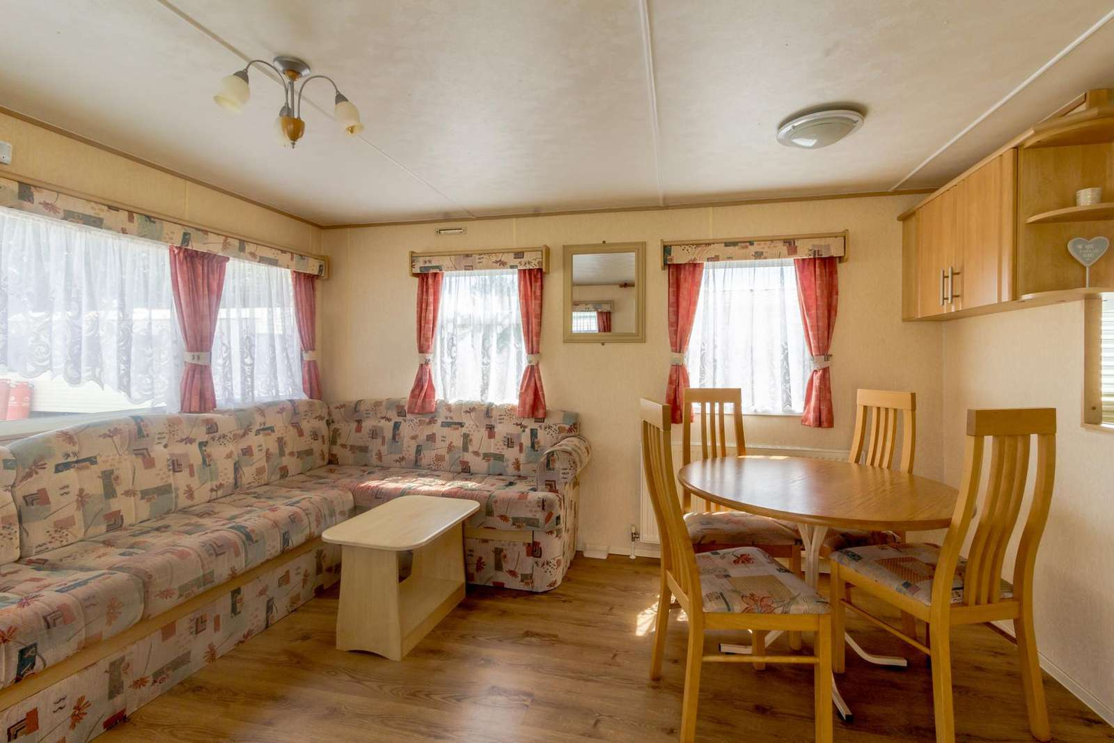 Great place to dine with friends and family in this self-catering accommodation
