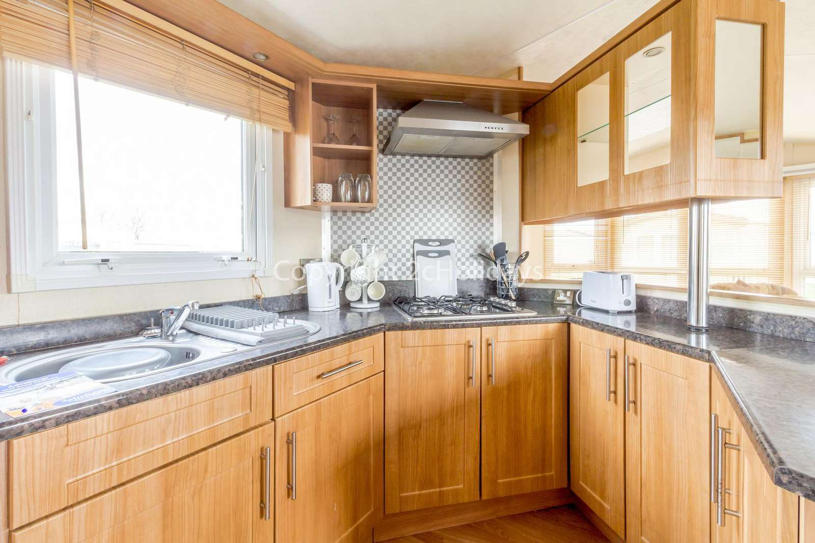 Fully equipped kitchen, ideal for self-catering holidays!