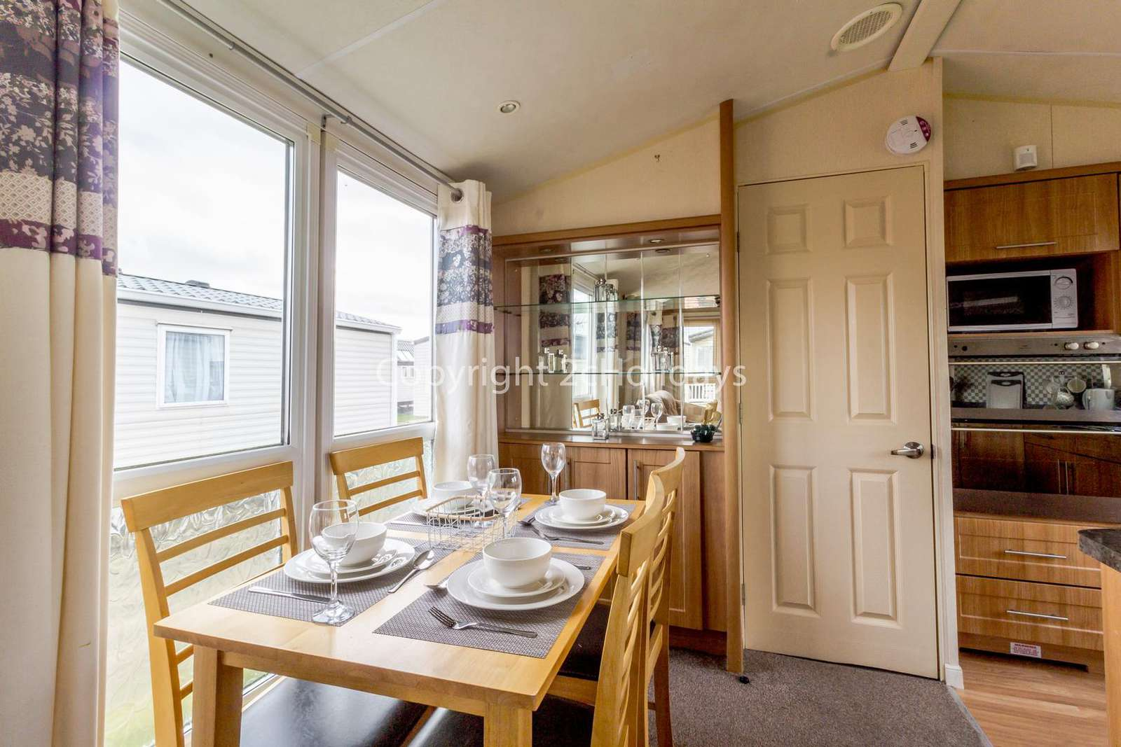 Open plan kitchen/diner, ideal for families!