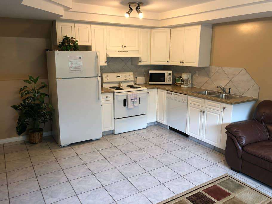 Lower level condo full kitchen.