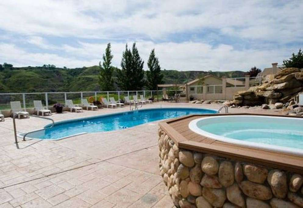 Outdoor pool and hot tub (available June - September)