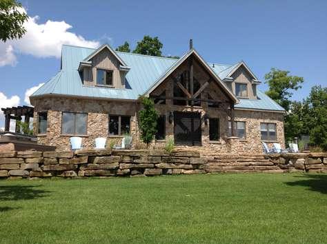 1179 Wolfe Island Lodge