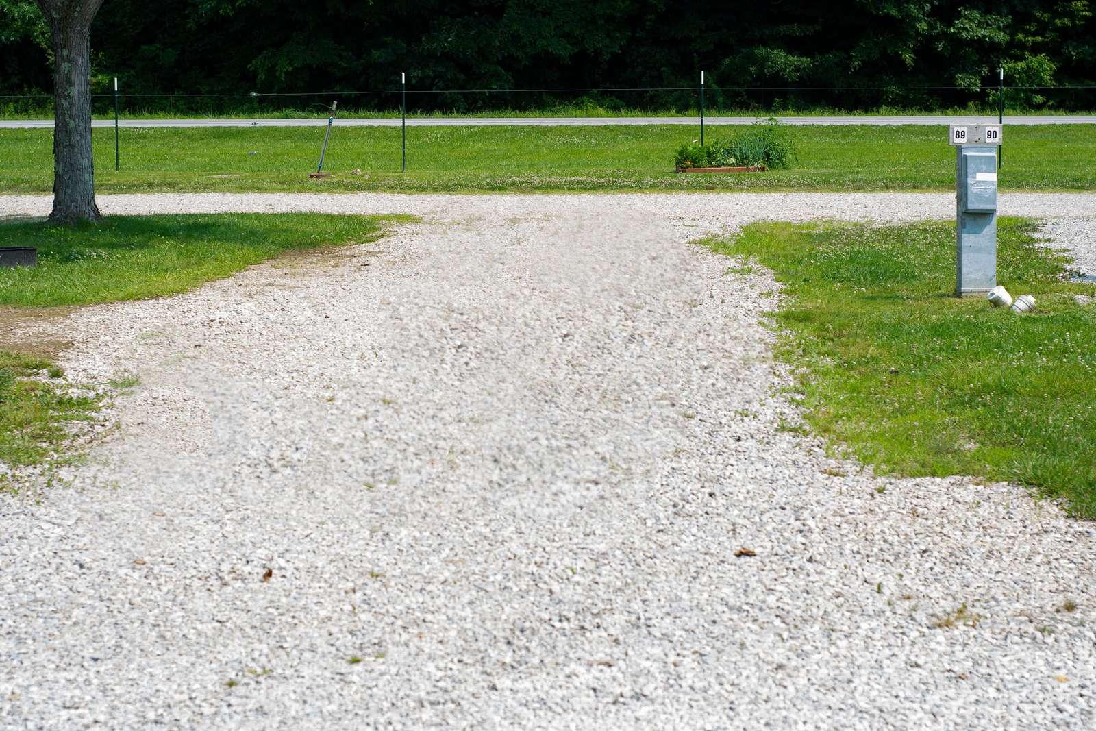Site #89 (50 amp pull thru) - property
