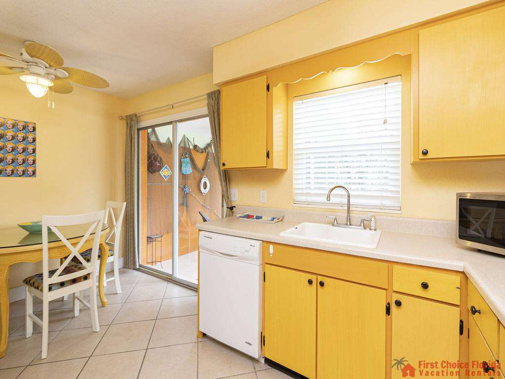Coastal Cottage B Kitchen and Dining