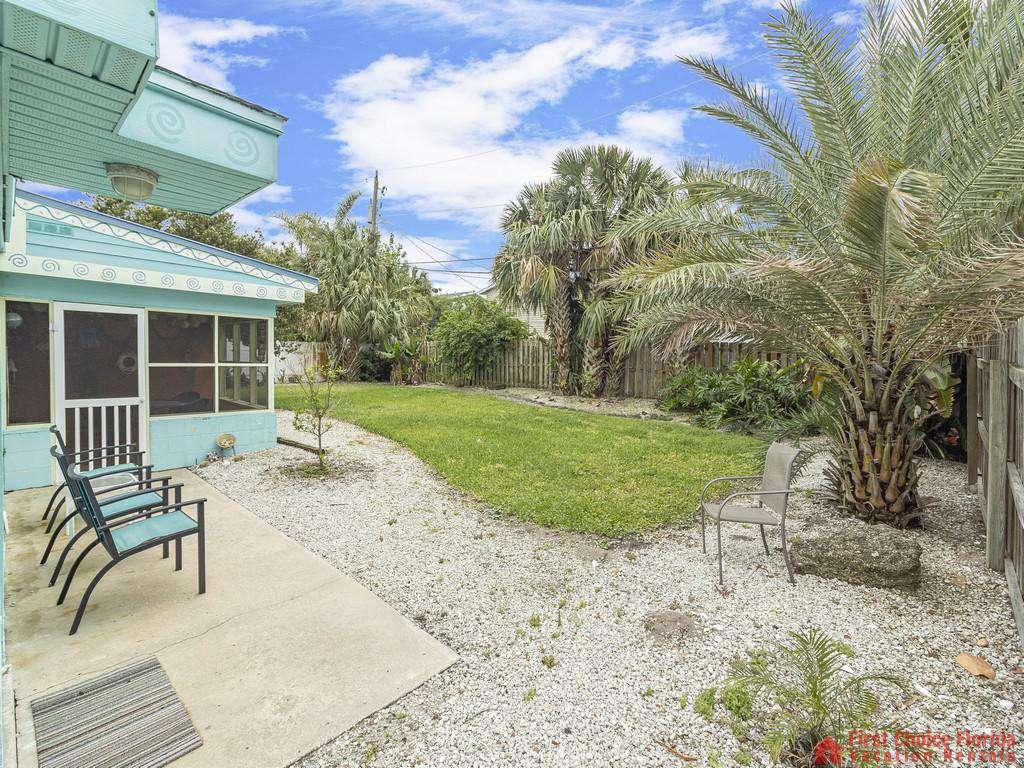 Coastal Cottage B Yard with Landscaping