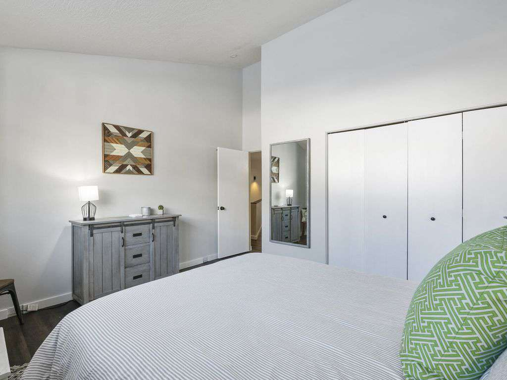 Second guest bedroom on upper level