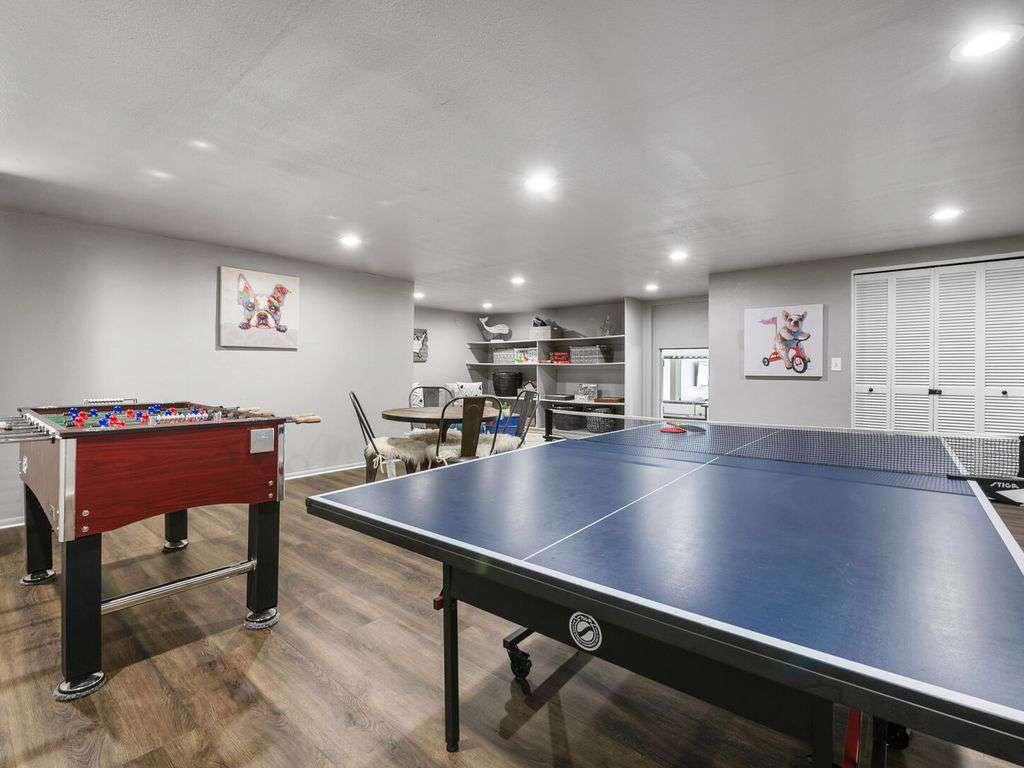 Pong pong and foosball