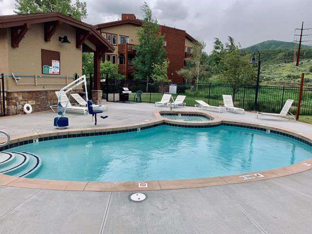 Swimming pool and hot tub at clubhouse
