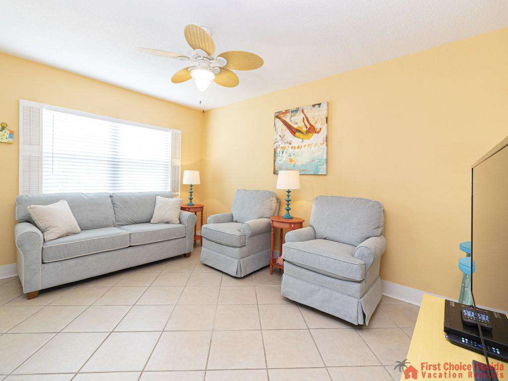 Coastal Cottage A Family Room Seating