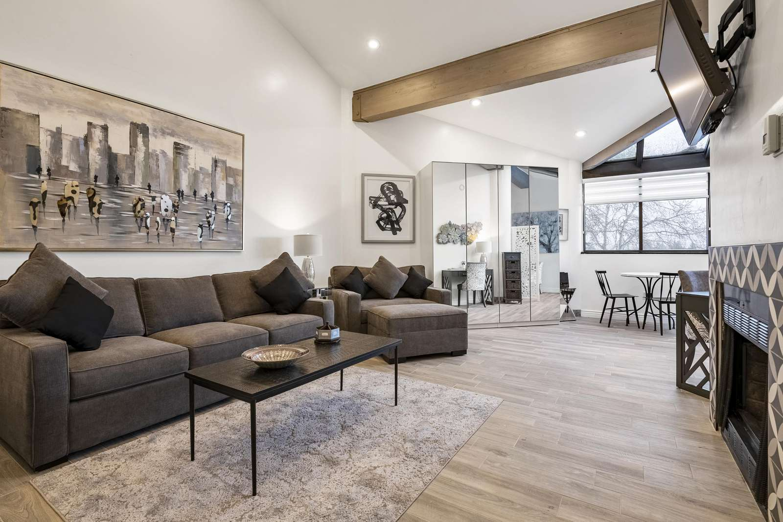 Spacious and light living room