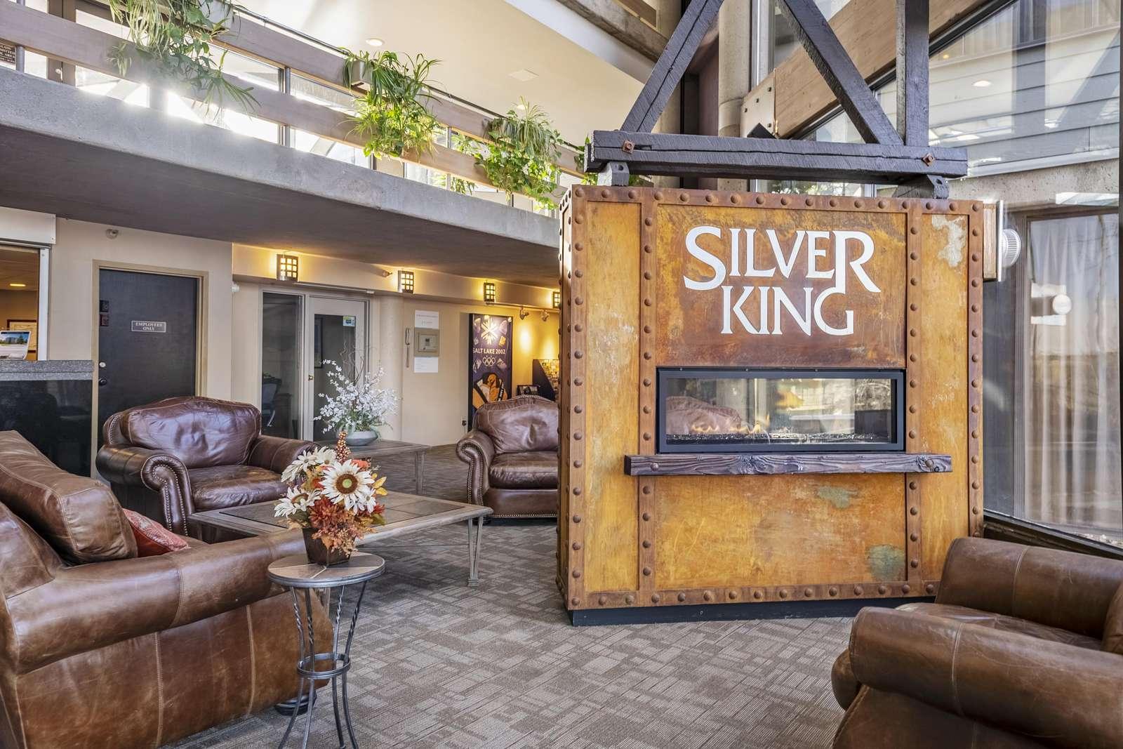 Silver King Hotel lobby