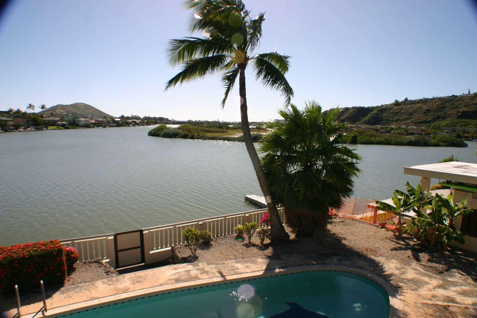 Mariners Cove Home With Stunning Koko Head Views Across The Marina