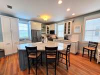 Kitchen - Large island and seating for 3 thumb