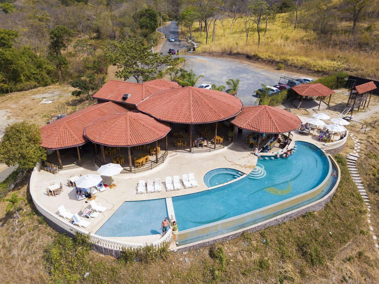 Community Ocean View Pool, On site restaurant Gracia
