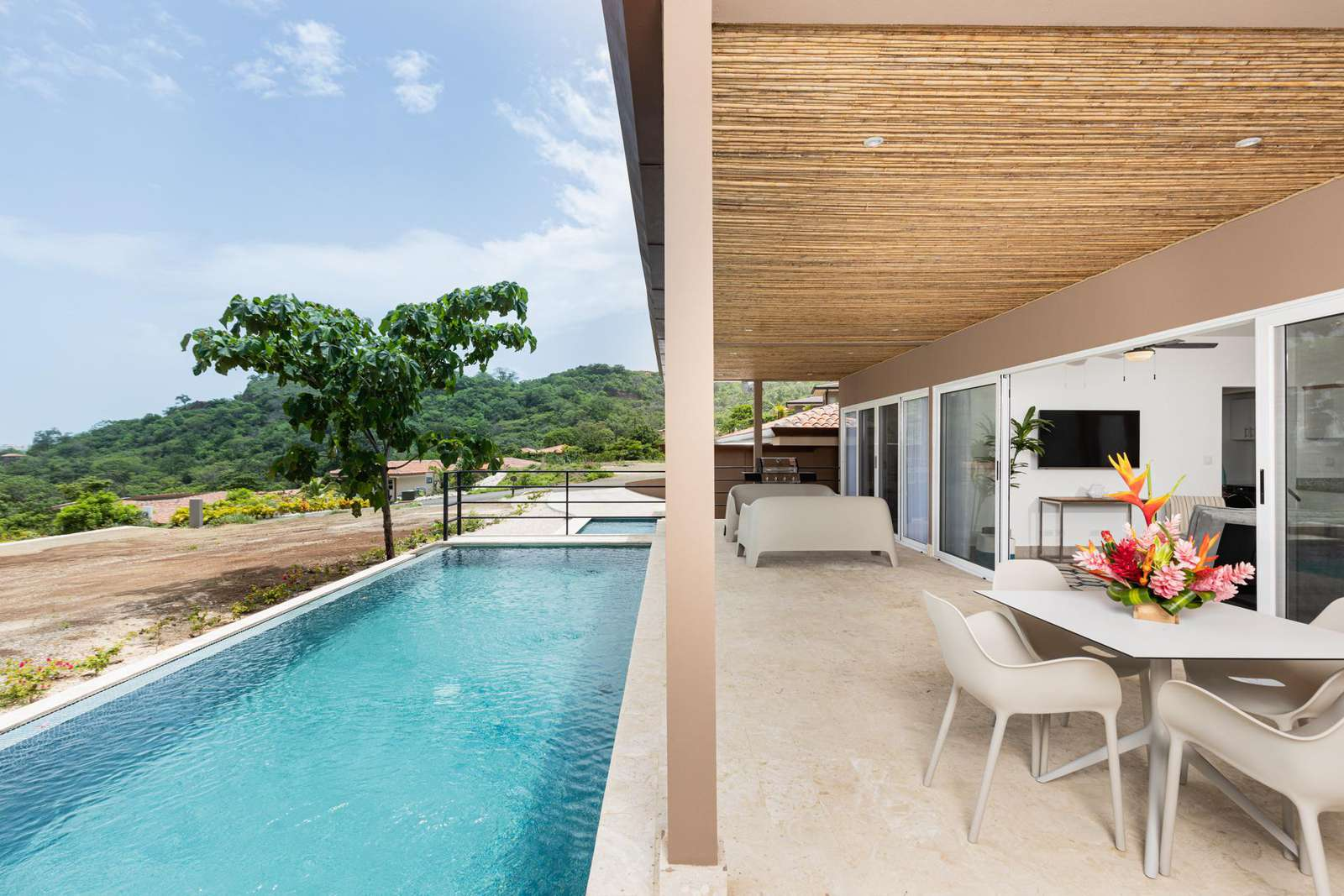 Private pool, dining area, BBQ