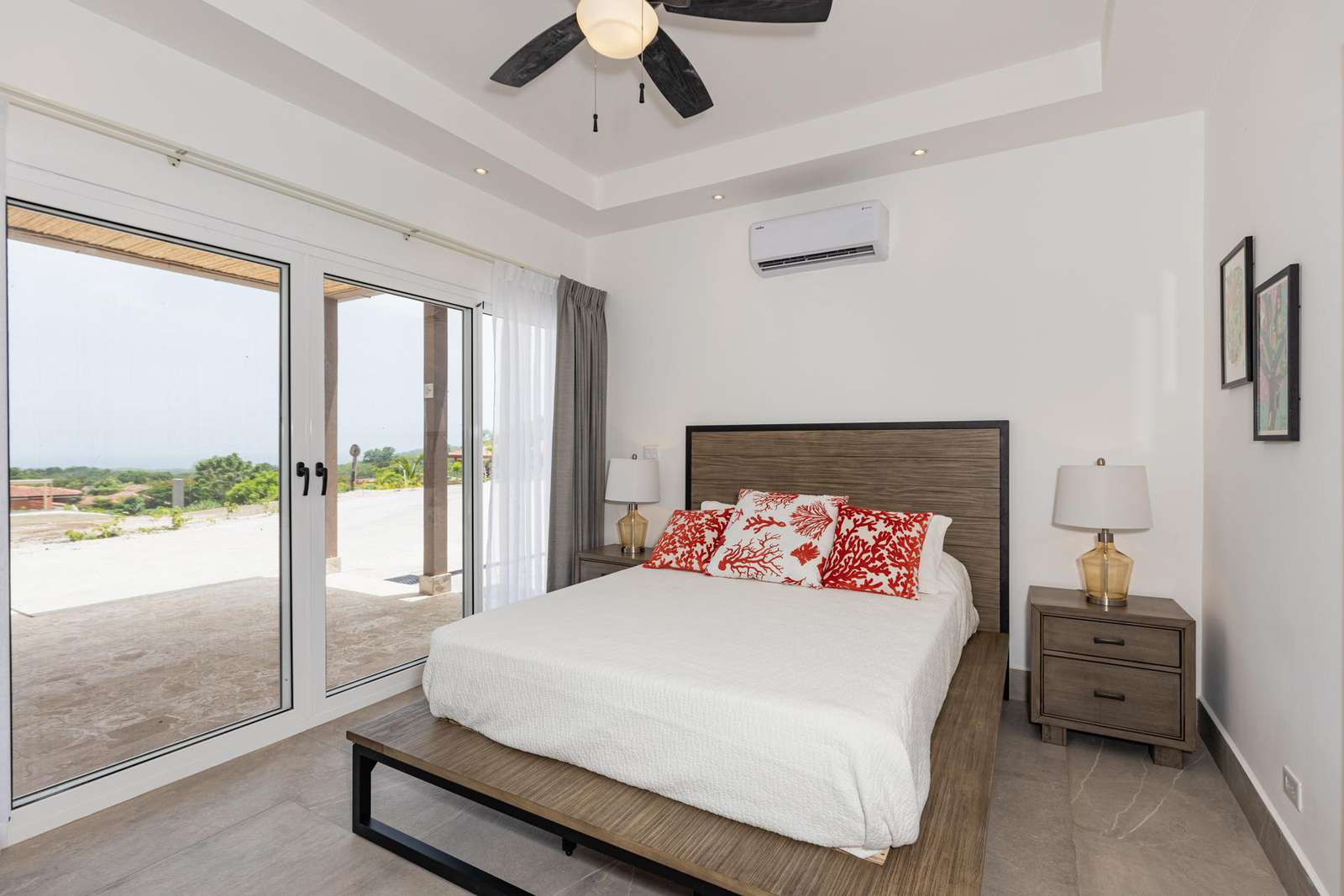 Master bedroom, Queen Bed, Full bathroom, access to pool and terrace area