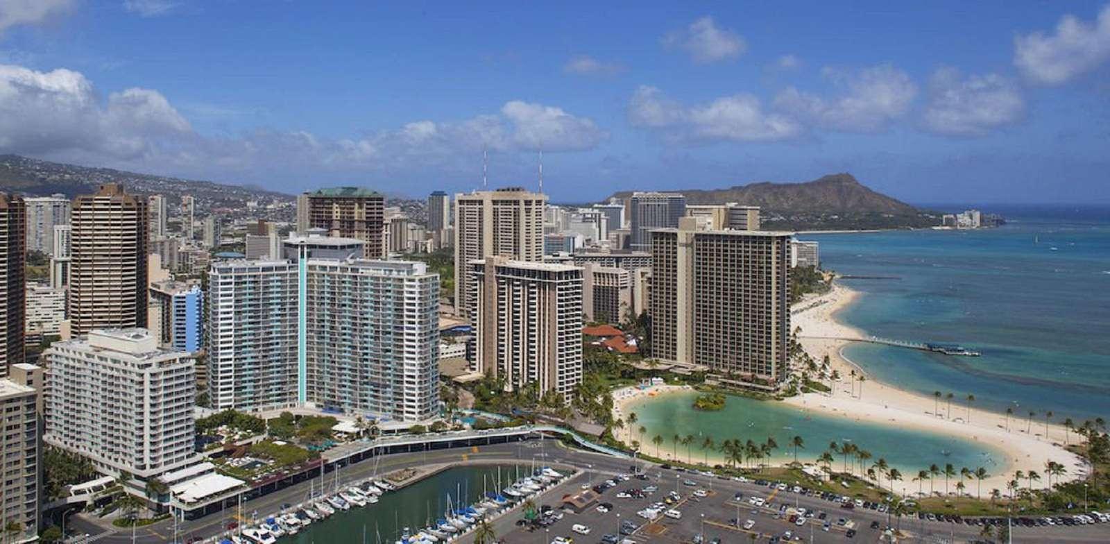 Ilikai 734 - Beautiful Ocean & Lagoon View Suite