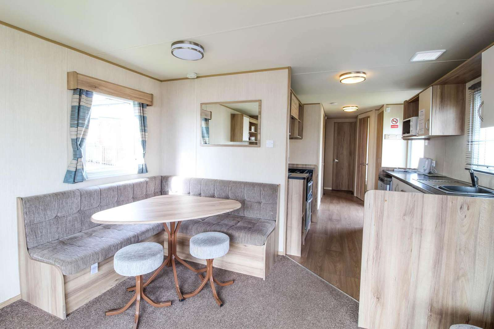 30014CB – Caister Beach area, 3 bed, 8 berth caravan. Emerald Rated. - property