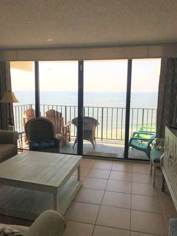 Stunning 3 Bedroom Oceanfront Condo In Royal Garden Resort