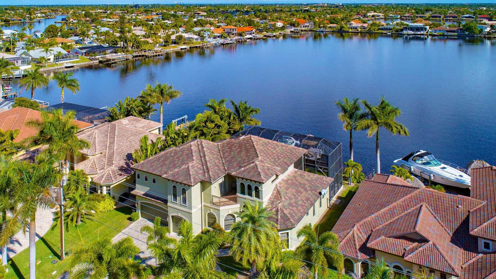 Villa Southern Shores - property