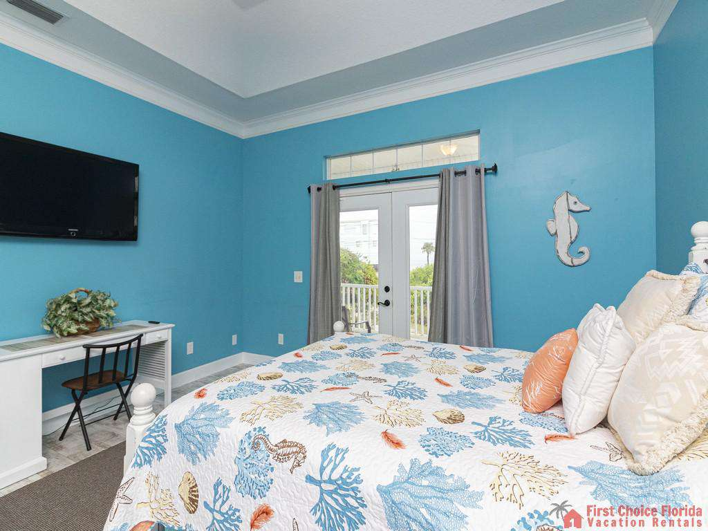 Coastal Hideaway Tv and Bed
