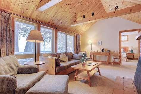 Divot Cottage 无敌湖景木屋