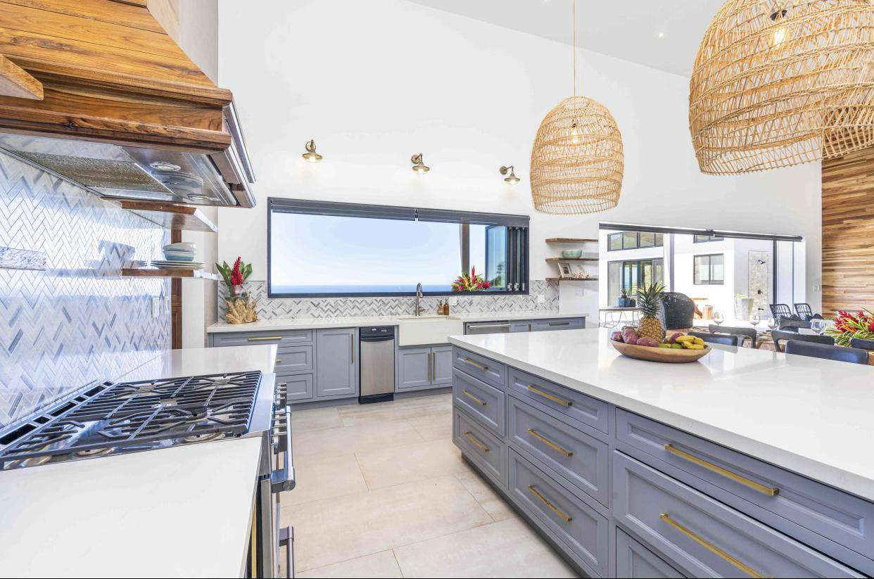 Gourmet kitchen, fully stocked, wood cabinetry, quartz countertops, stainless steel appliances