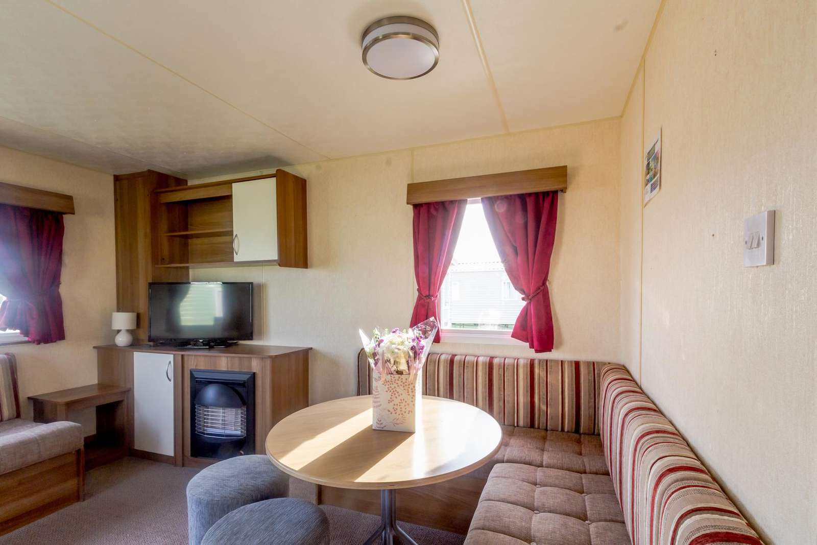 Perfect place to dine in this self-catering caravan