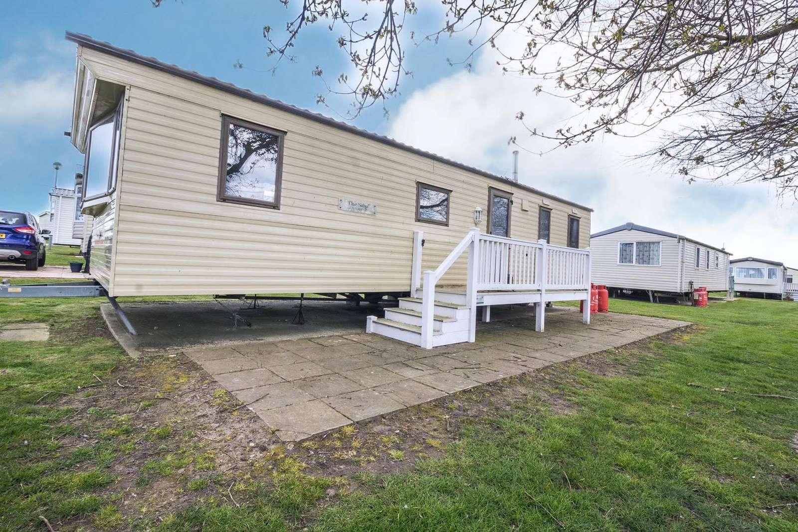 80014G – Greenways area, 3 bed, 8 berth caravan. Emerald rated. - property