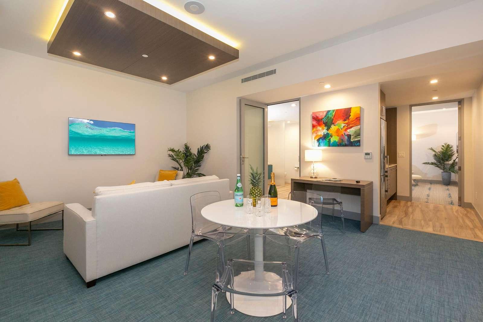 Suite 4 Marketplace - property
