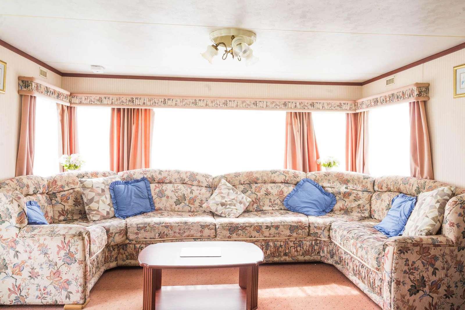 50020F – Fulmar 20 California Cliffs, 3 bed, 8 berth caravan. Sapphire rated - property