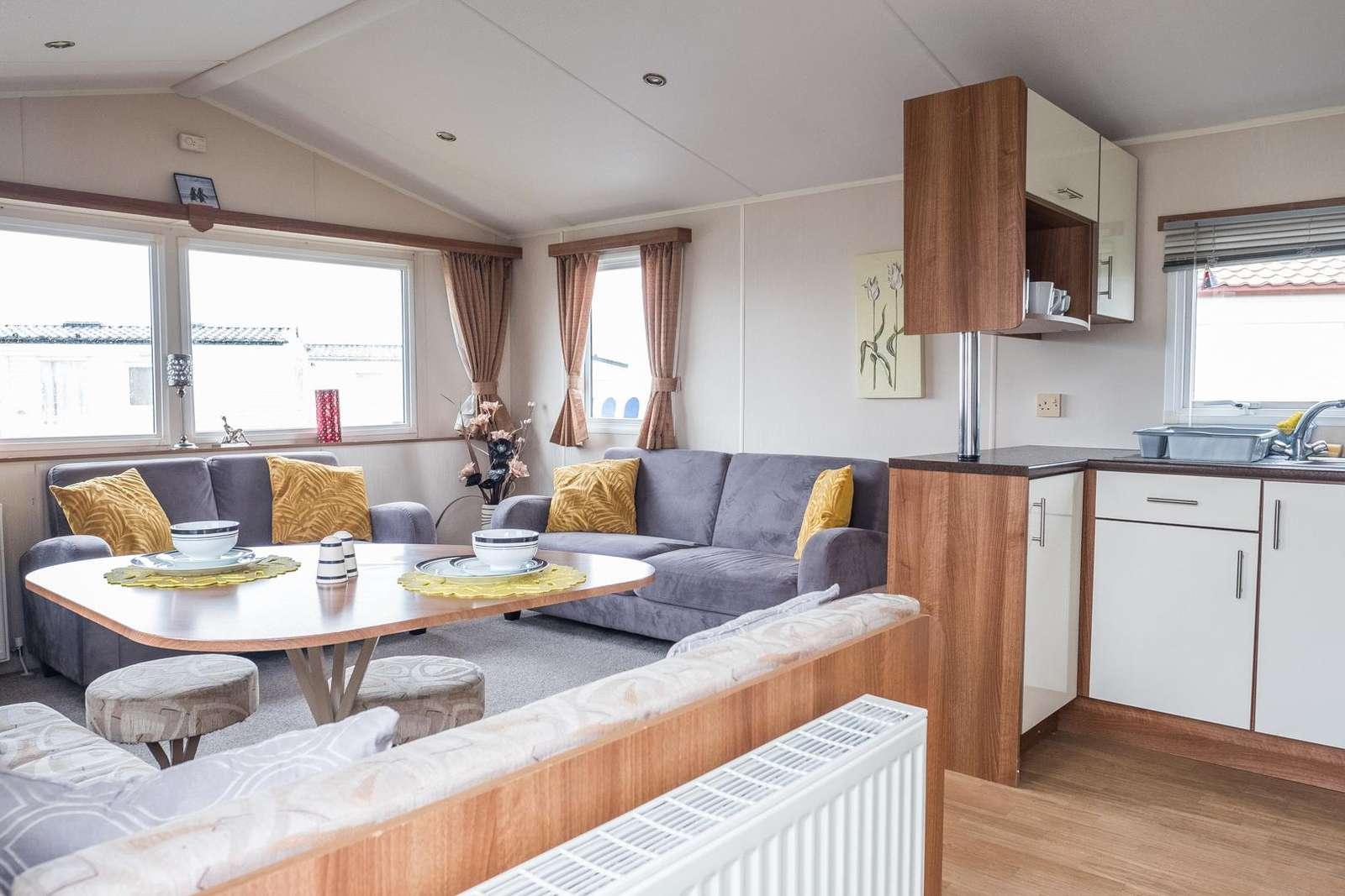 29005HV – Heron views, 2 bed, 4 berth caravan with D/G & C/H. Ruby rated. - property