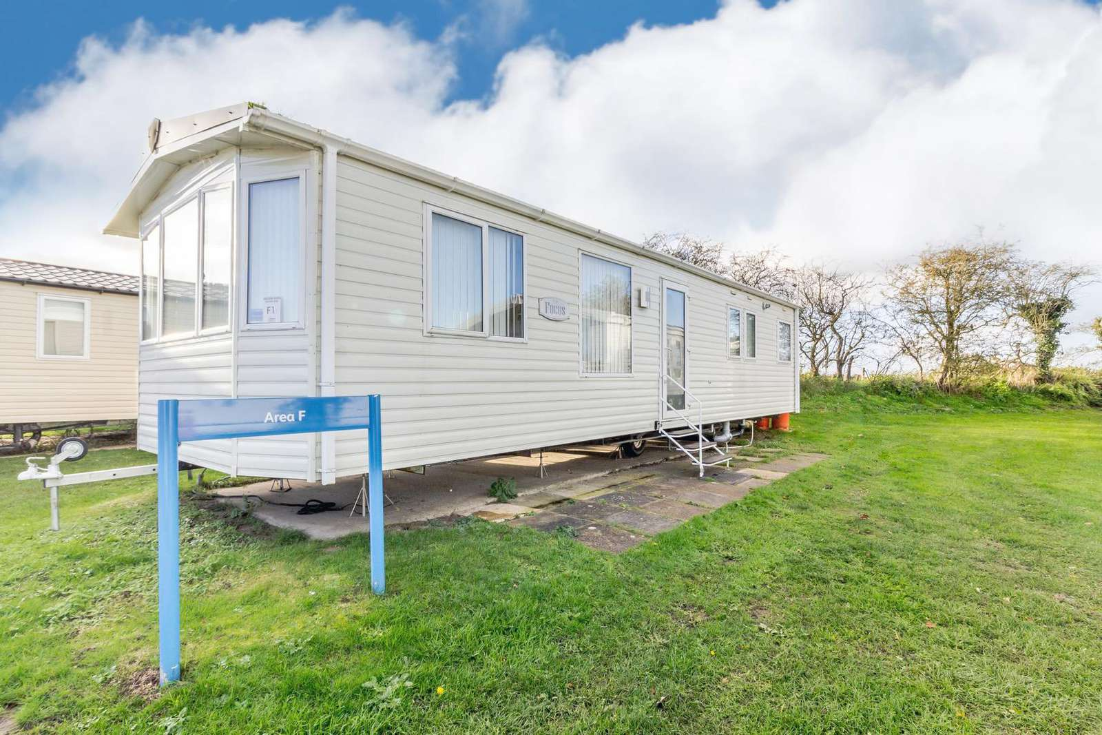 10001F – F area, Yare side, 3 bed, 8 berth caravan. D/G & C/H. Ruby rated. - property