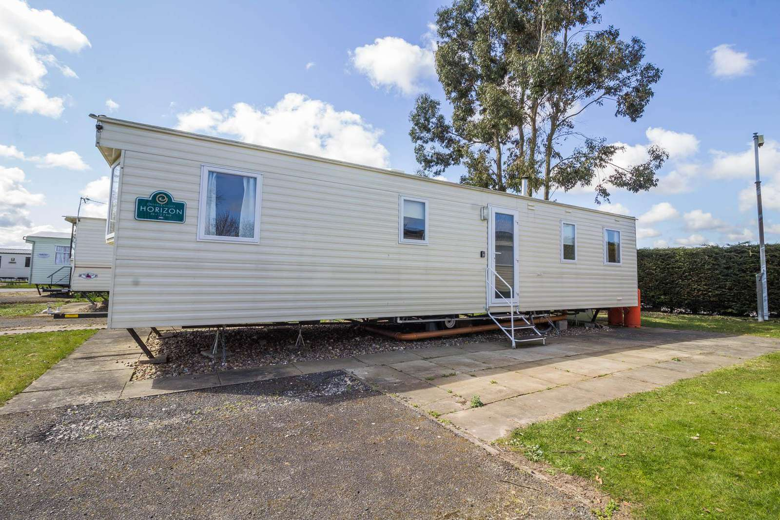 33036S – The Springs area, 3 bed, 8 berth caravan close to amenities. Ruby rated. - property