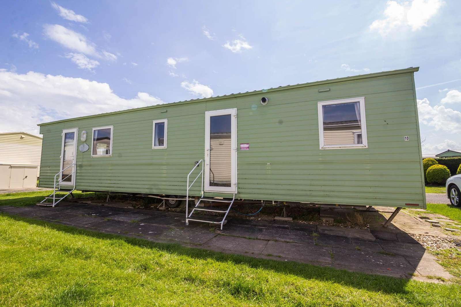 33010E – Elms Area, 3 bed, 8 berth caravan with D/G & C/H. Ruby rated. - property