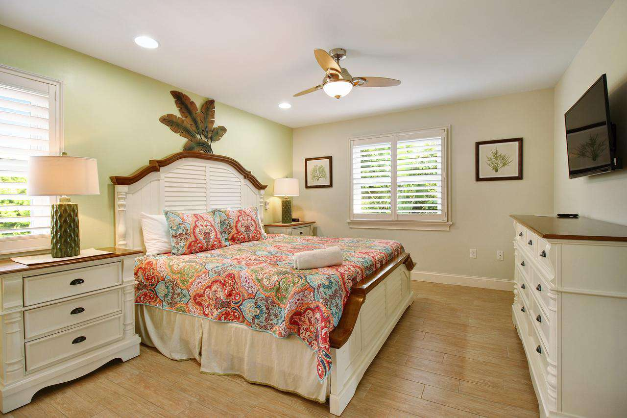 King bedroom with attached full bathroom