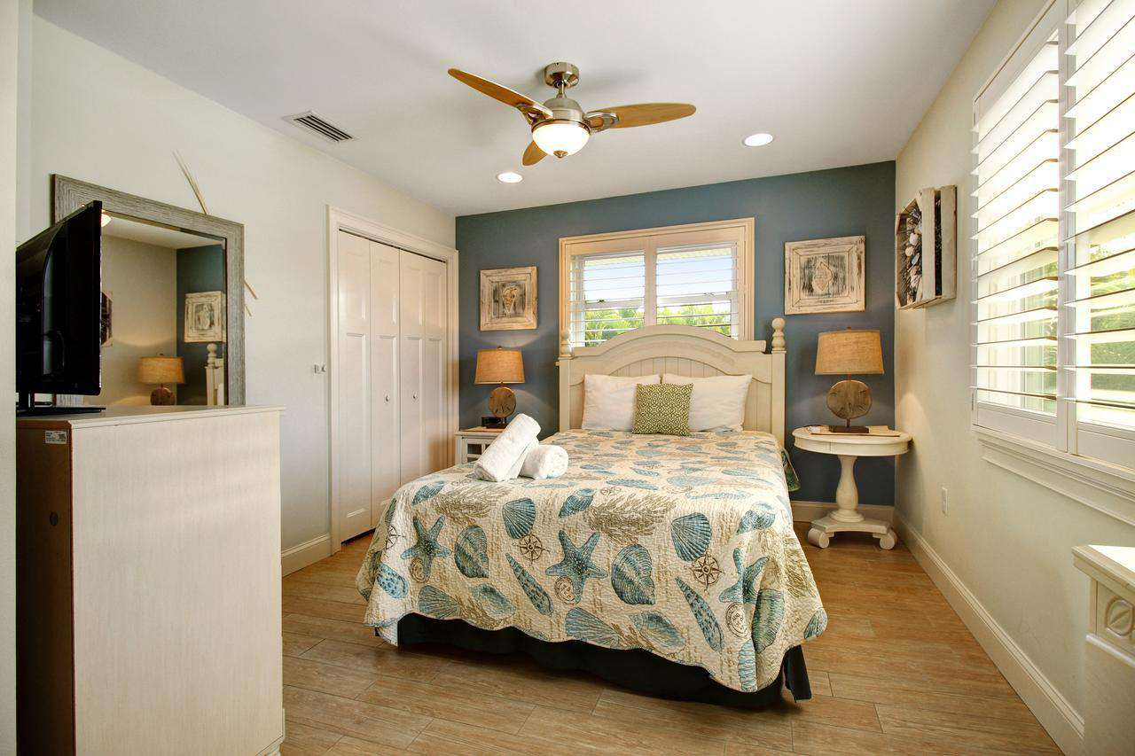 Queen bedroom with attached full bathroom
