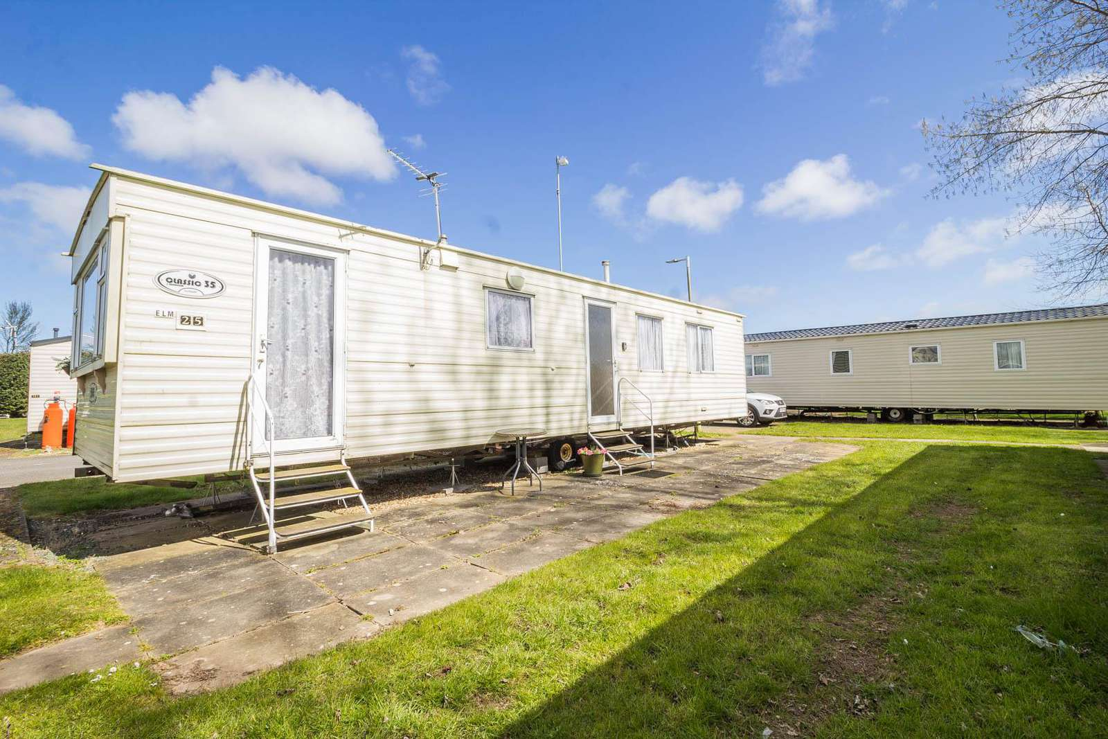 33025E – The Elms area, 3 bed, 8 berth caravan with panel heating. Emerald rated. - property
