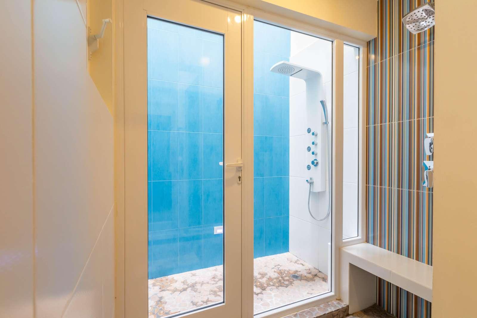 Bathroom 2 Indoor/Outdoor Shower