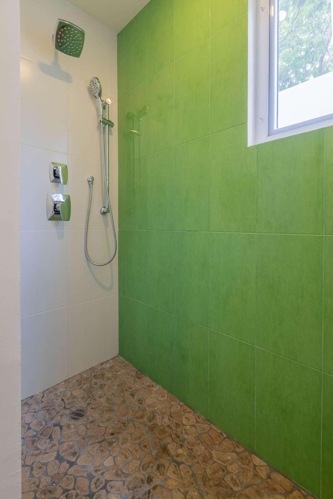 Bathroom 1 His/Her Shower