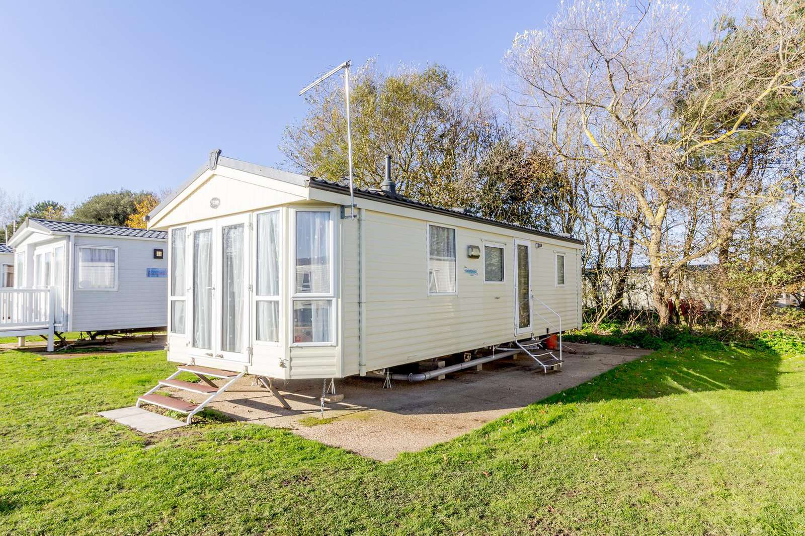 20329BS – Broadland, 2 bed, 6 berth caravan with C/H & D/G. Ruby rated. - property