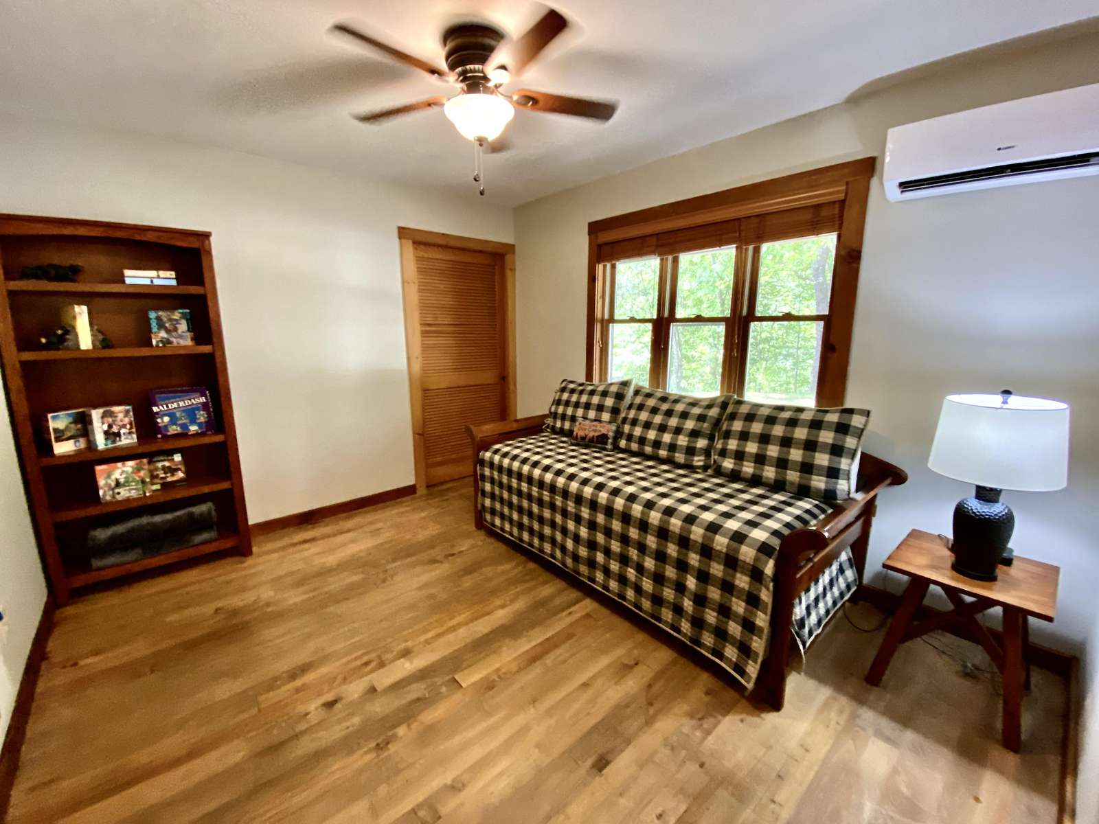 The 3rd Bedroom offers a Twin Day Bed, with a Twin Trundle Bed underneath.