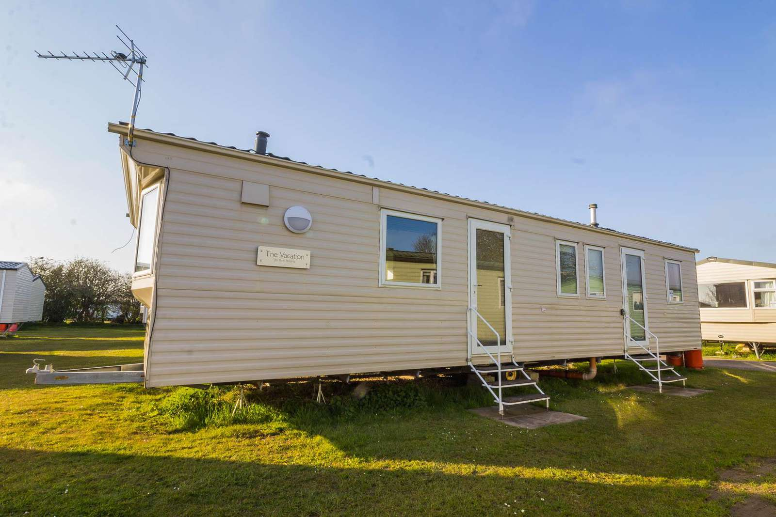 35082B – Beaver Road, 3 bed, 8 berth caravan with double glazing. Emerald rated. - property