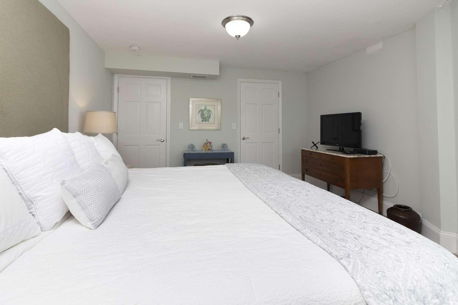 Ocean Sunrise - Guest Bedroom TV 1st Floor