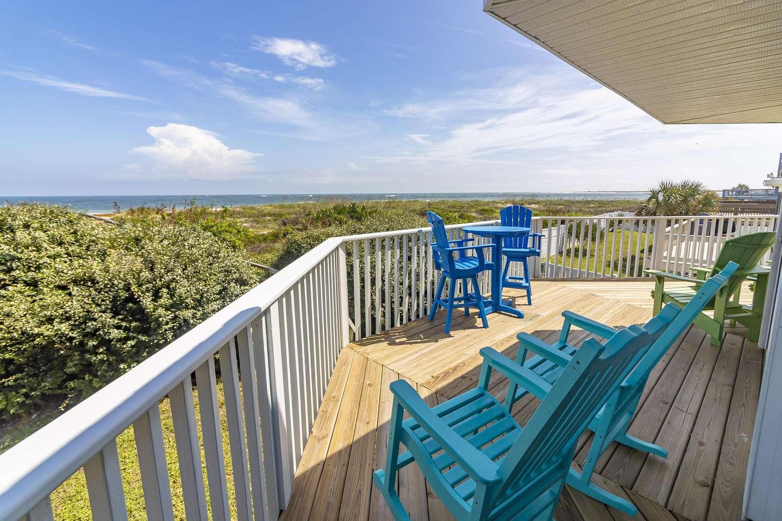 Ocean Sunrise - Oceanfront Deck w/ Outdoor Furniture