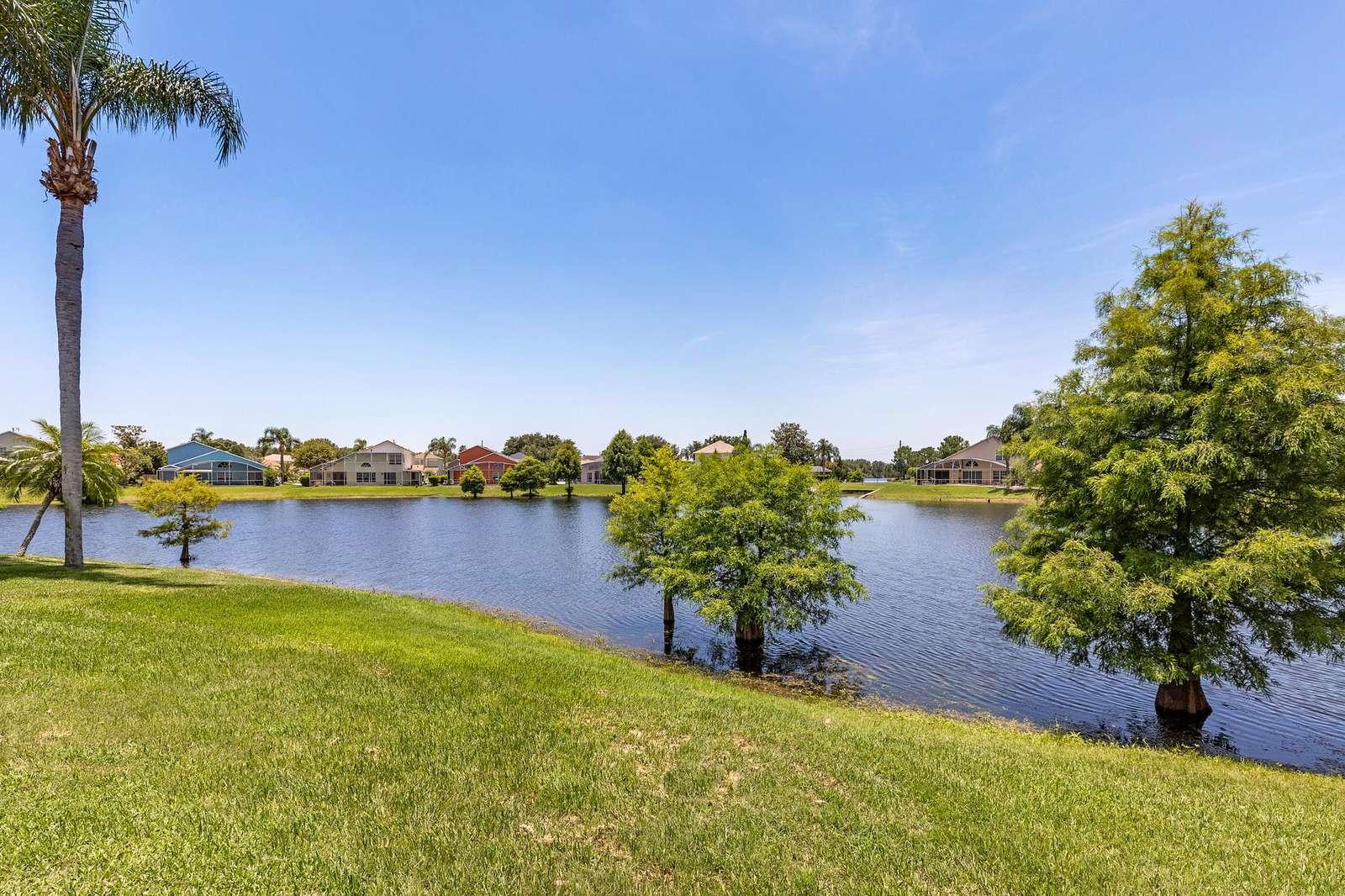 H620 Lakeside - property