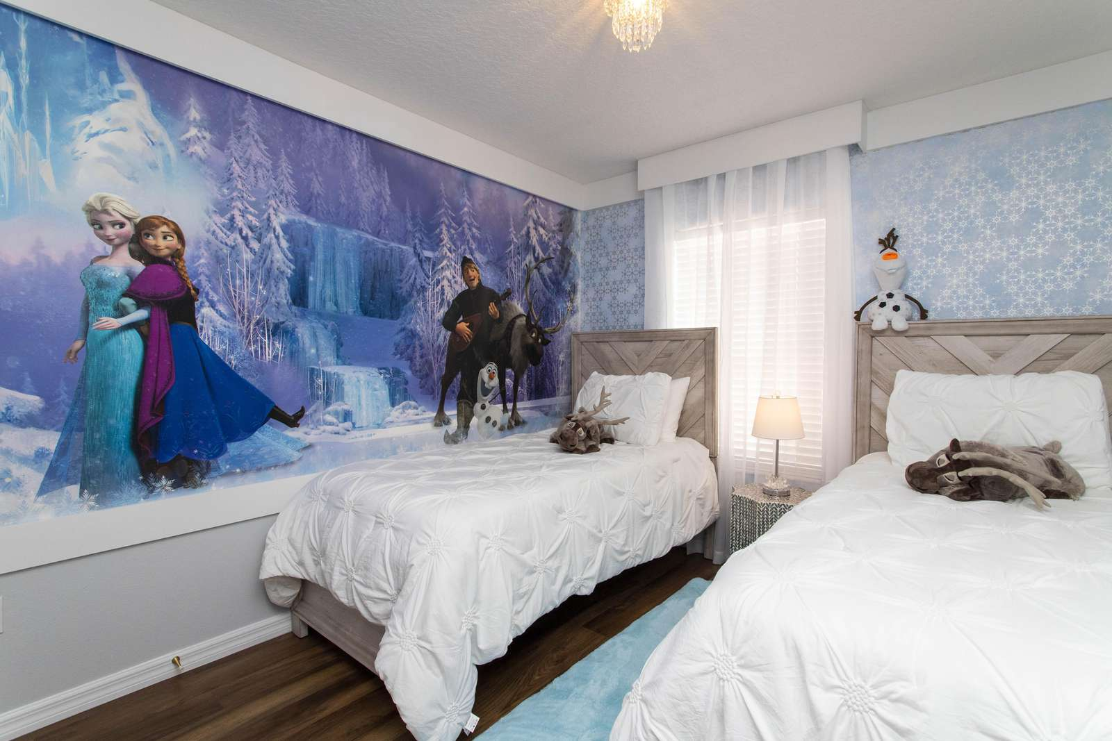 Frozen Room with 2 Twin size beds + trundle - property