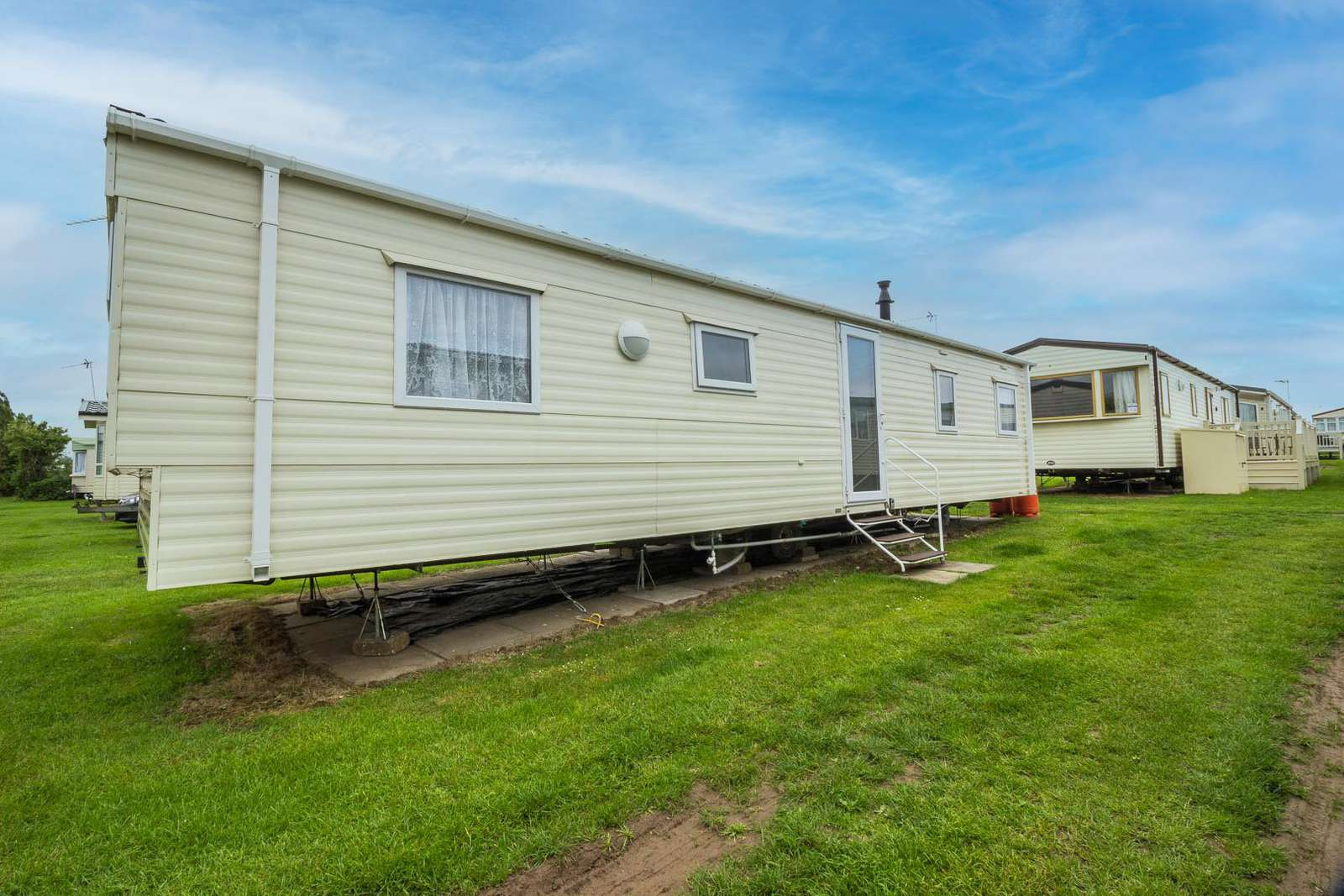 50013F – Fulmar area, 3 bed, 8 berth caravan with C/H and D/G. Ruby rated. - property